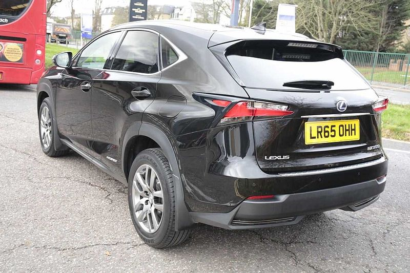 Lexus NX 300h 2.5 Luxury Conv Pack